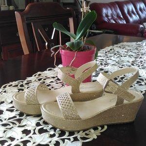 Fun, sparkly gold sandals!